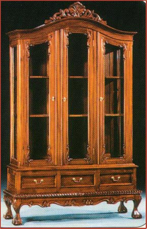 3 Door Chippendale Cabinet with Drawer